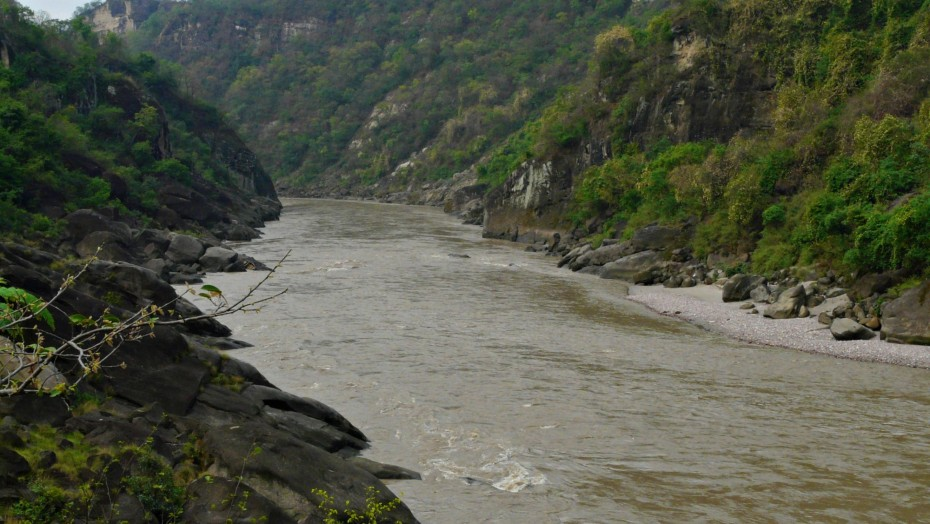 River Beas, proposed location of the Dhaulasidh HEP dam site